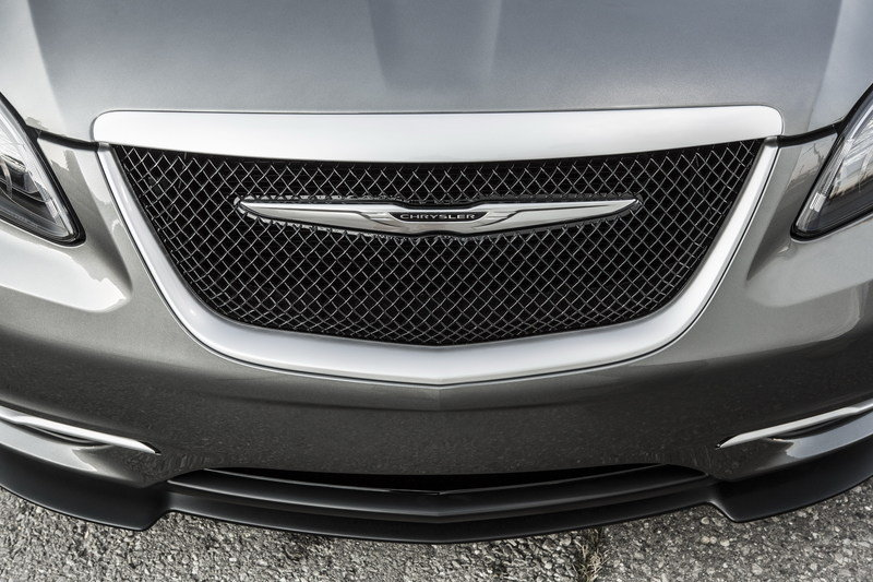 2014 Chrysler 200 S Special Edition Emblems and Logo Exterior - image 498706