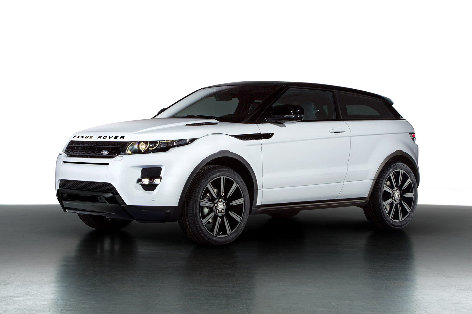 2013 land rover evoque black design pack top speed. Black Bedroom Furniture Sets. Home Design Ideas