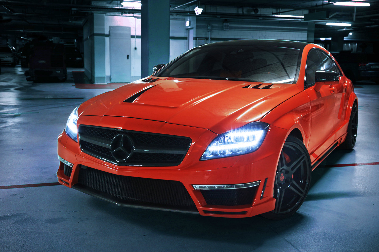 http://pictures.topspeed.com/IMG/crop/201303/mercedes-benz-cls63--5_1600x0w.jpg