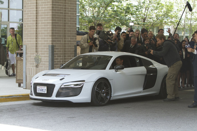Tony Stark Returns to the Audi R8 in Iron Man 3