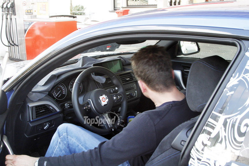 2014 - 2015 BMW 2 Series Coupe Interior Spyshots - image 502271