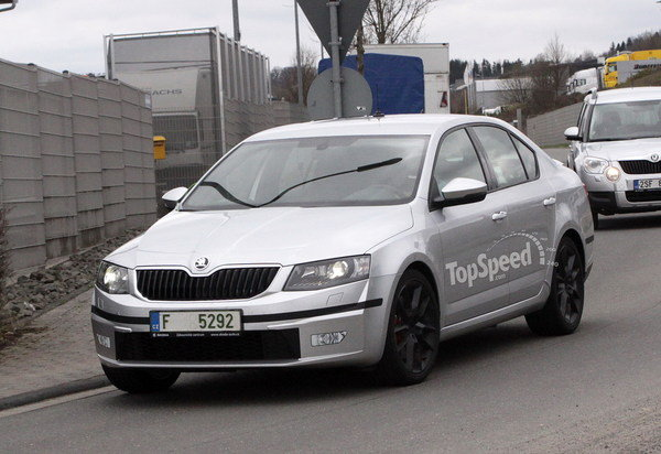 Spy Shots: Skoda Octavia vRS Caught Testing for the First Time