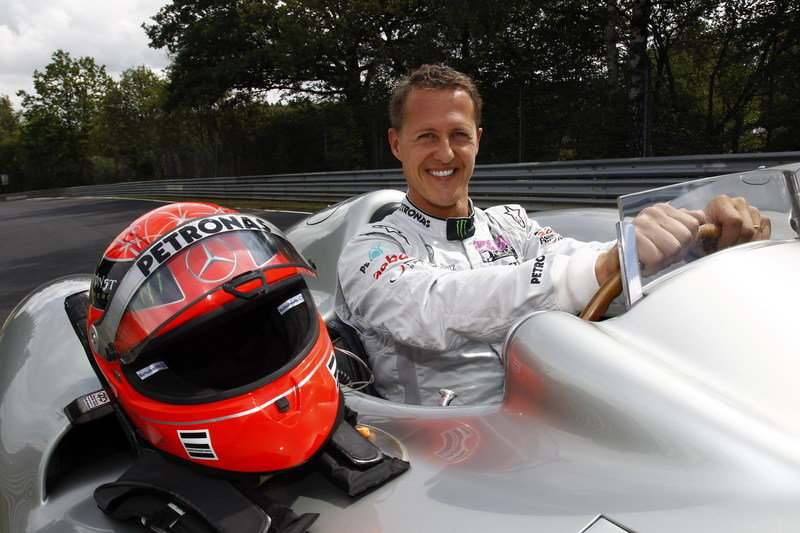 Schumacher will Drive a 2011 Formula 1 Silver Arrow Around Nurburgring Exterior - image 503686