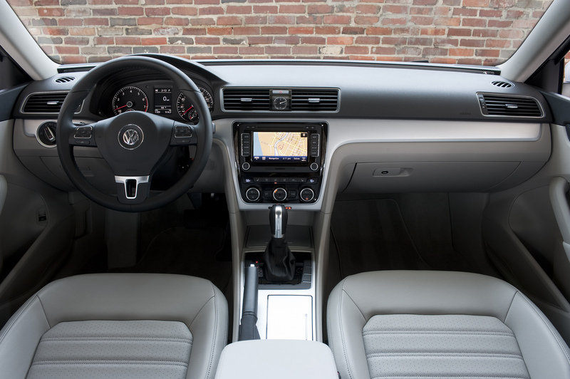 2013 Volkswagen Passat Wolfsburg Edition High Resolution Interior - image 503378