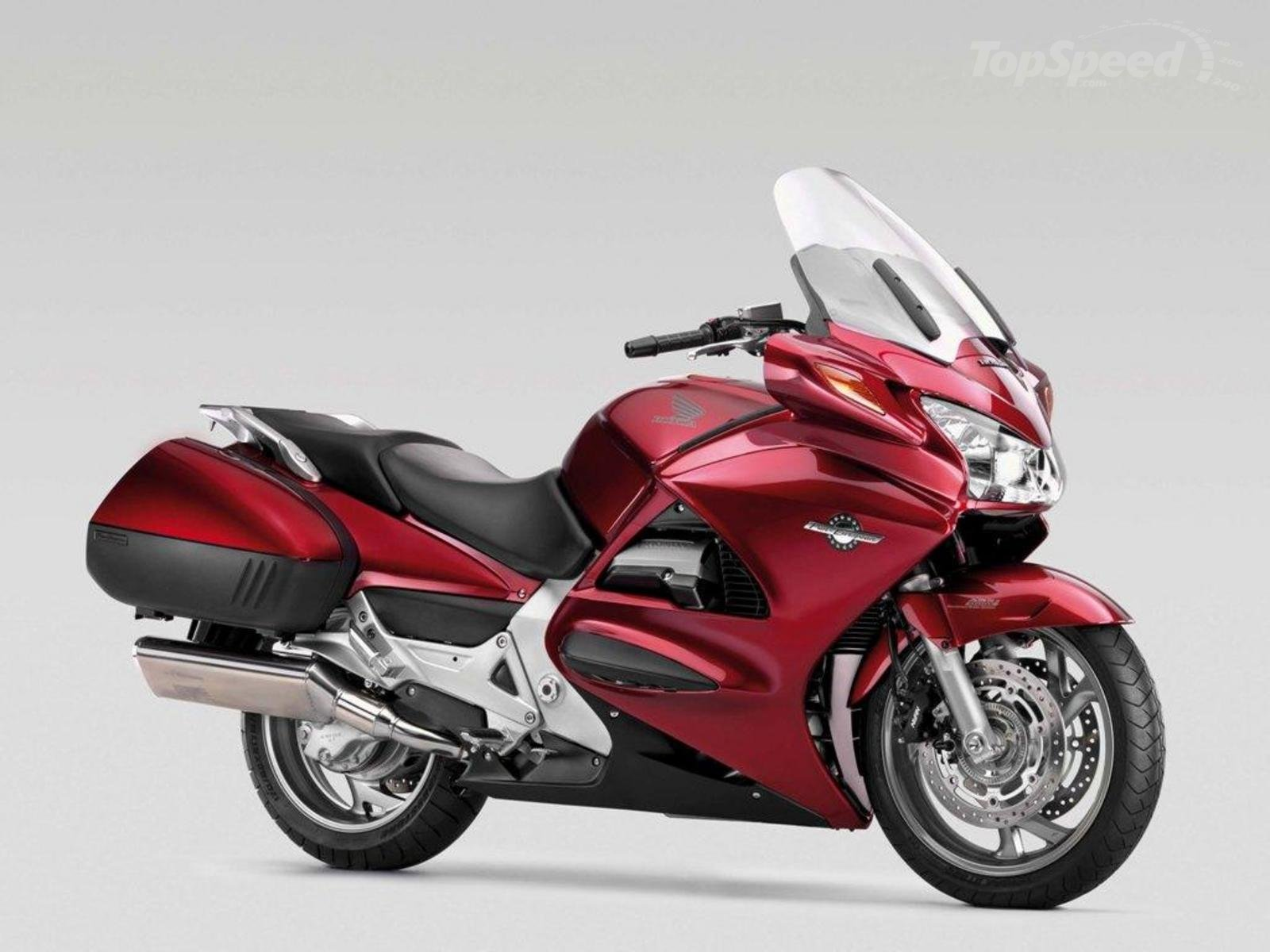 2013 honda st1300 pan european review top speed. Black Bedroom Furniture Sets. Home Design Ideas