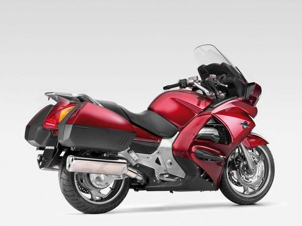 2013 honda st1300 pan european motorcycle review top speed. Black Bedroom Furniture Sets. Home Design Ideas