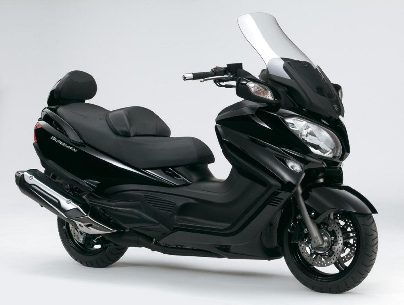 2013 suzuki burgman 650 abs executive review top speed. Black Bedroom Furniture Sets. Home Design Ideas