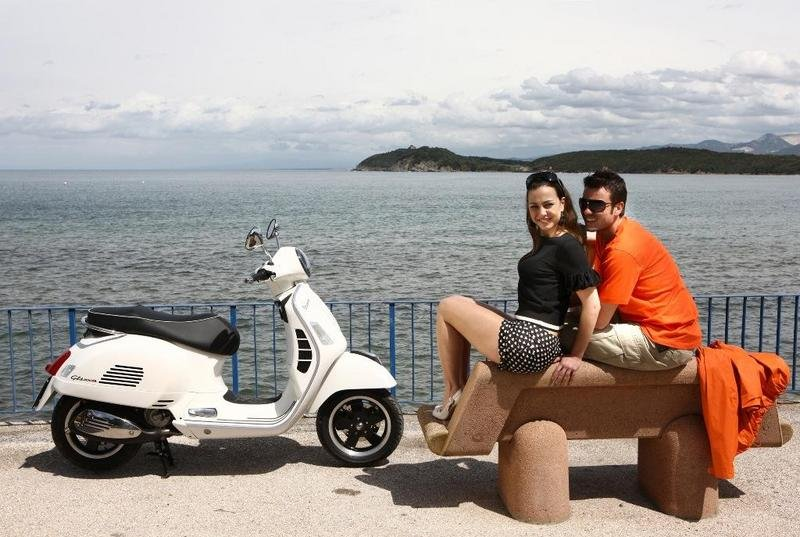 2013 Vespa GTS 300 IE SUPER High Resolution Exterior - image 508660