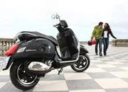 2013 Vespa GTS 300 IE SUPER - image 508661
