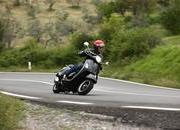 2013 Vespa GTS 300 IE SUPER - image 508667