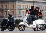 2013 Vespa GTS 300 IE SUPER - image 508651