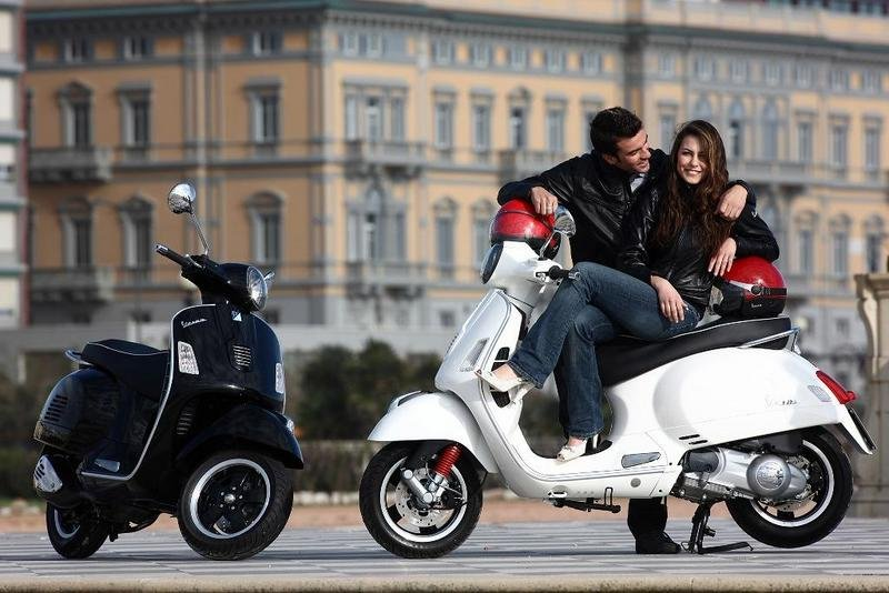 2013 Vespa GTS 300 IE SUPER High Resolution Exterior - image 508651