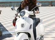 2013 Vespa GTS 300 IE SUPER - image 508654