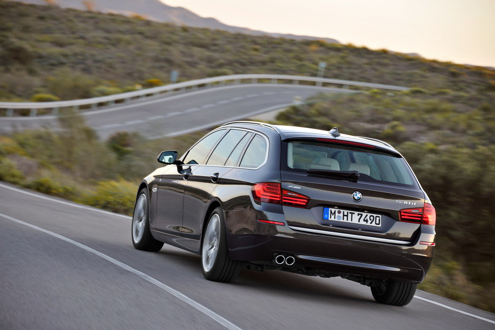2014 bmw 5 series touring picture 506999 car review top speed. Black Bedroom Furniture Sets. Home Design Ideas