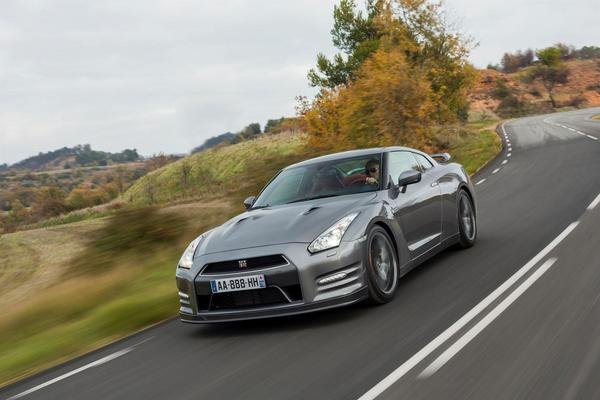 nissan gt-r gentleman edition picture