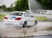 BMW Sets New Guinness World Drift Record - image 506286