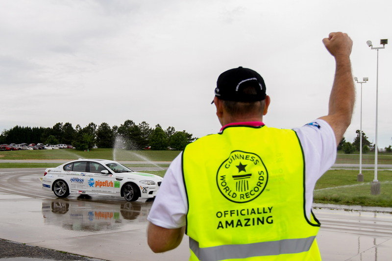 BMW Sets New Guinness World Drift Record Exterior - image 506289
