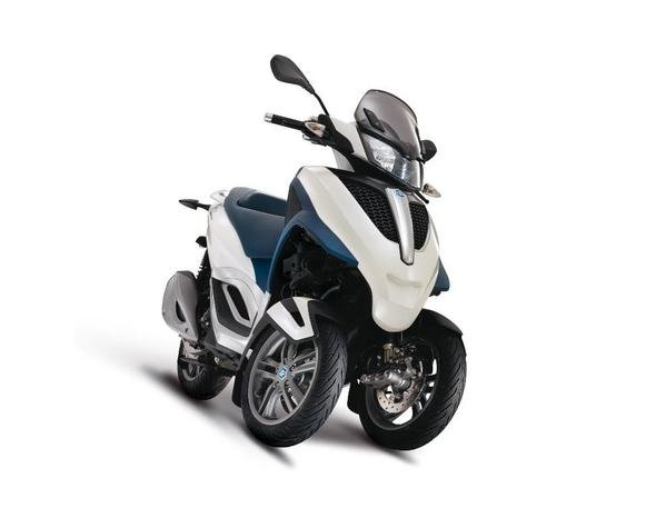 2013 piaggio mp3 300 lt yourban review - top speed