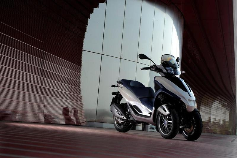 2013 Piaggio MP3 300 LT Yourban High Resolution Exterior - image 508983