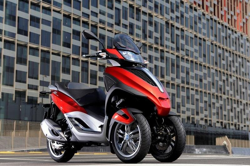 2013 Piaggio MP3 300 LT Yourban High Resolution Exterior - image 508985