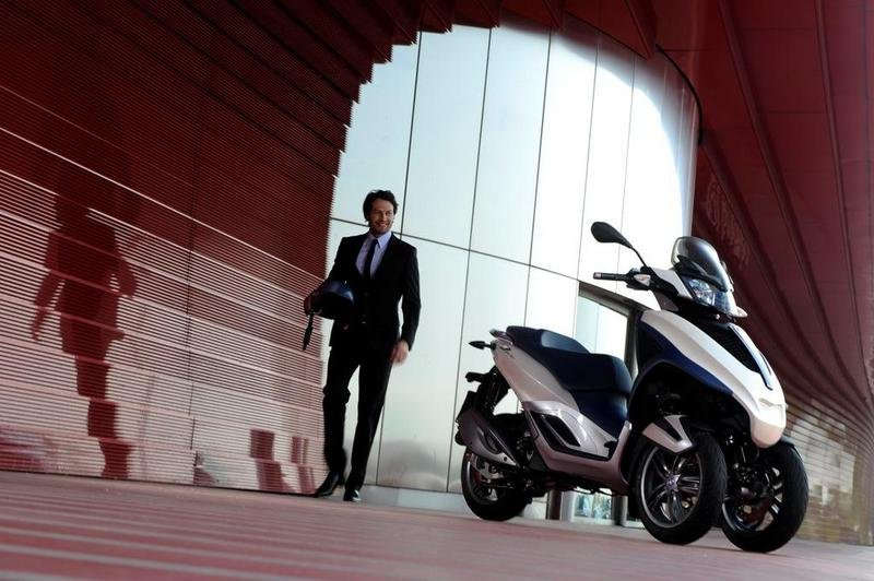 2013 Piaggio MP3 300 LT Yourban High Resolution Exterior - image 508975