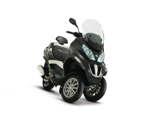 2013 piaggio mp3 business lt 300ie motorcycle review top speed. Black Bedroom Furniture Sets. Home Design Ideas
