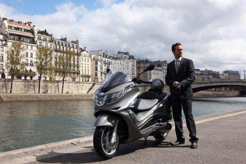 2013 Piaggio X10 350 ie High Resolution Exterior - image 508894