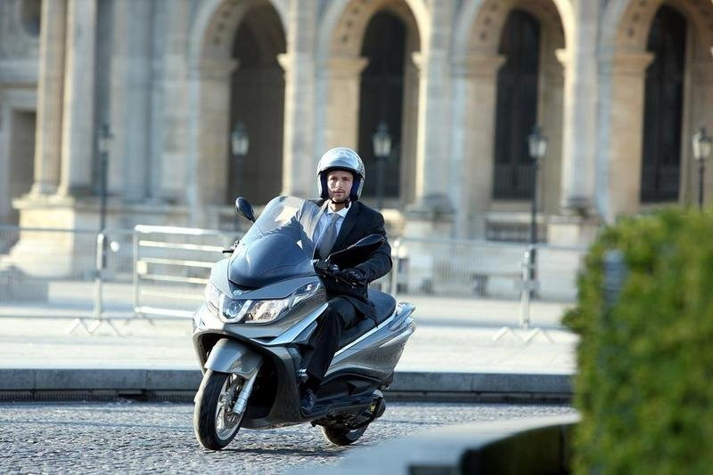 2013 Piaggio X10 350 ie High Resolution Exterior - image 508902