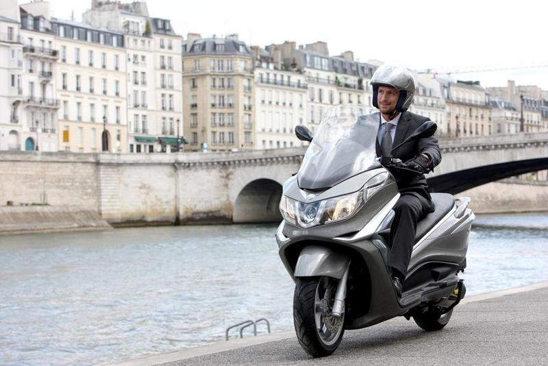 2013 Piaggio X10 350 ie High Resolution Exterior - image 508903