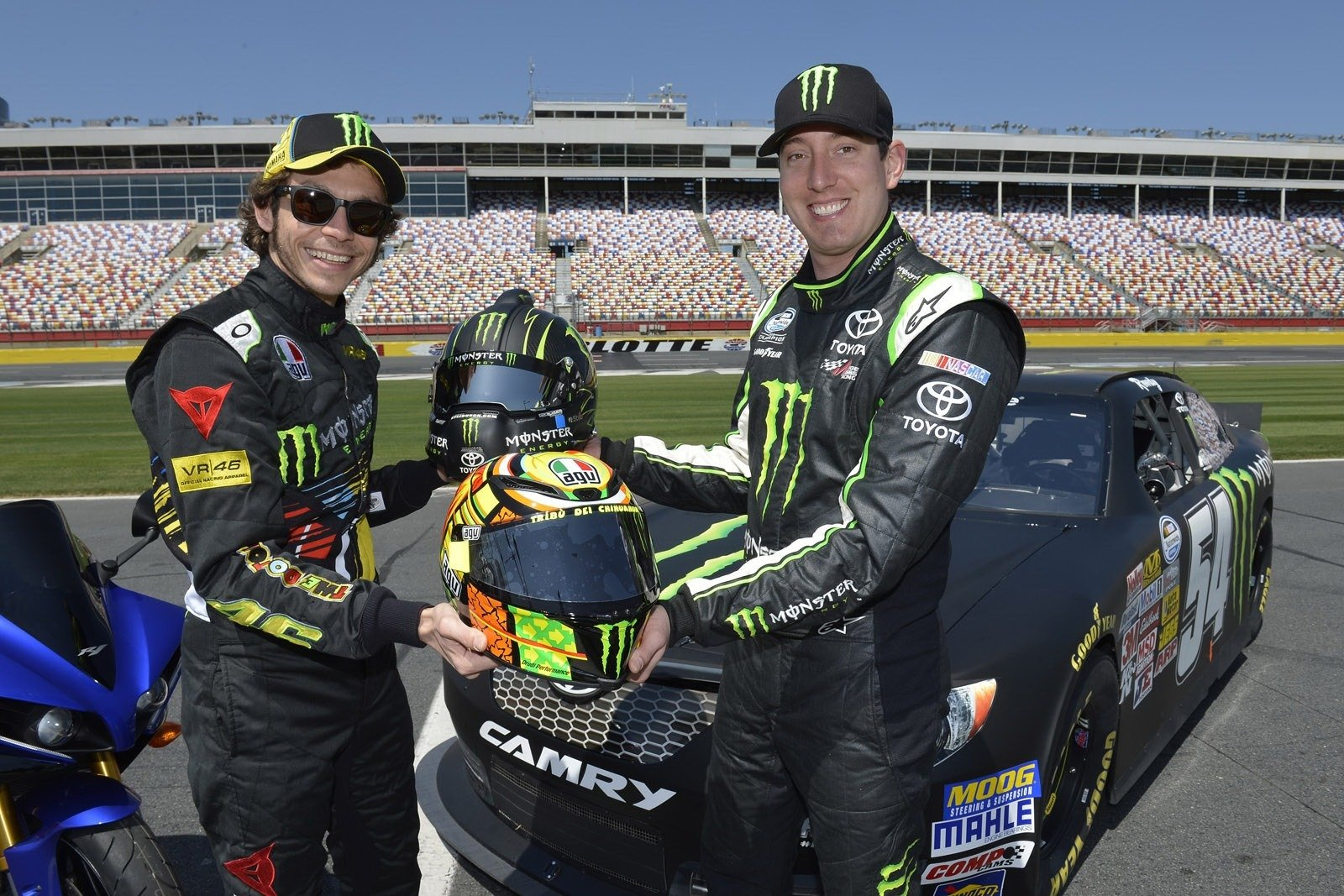 Valentino Rossi Hijacks Kyle Busch S Nascar Ride Top Speed