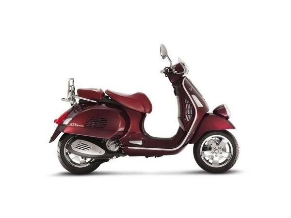 2013 vespa gtv 300 ie motorcycle review top speed. Black Bedroom Furniture Sets. Home Design Ideas