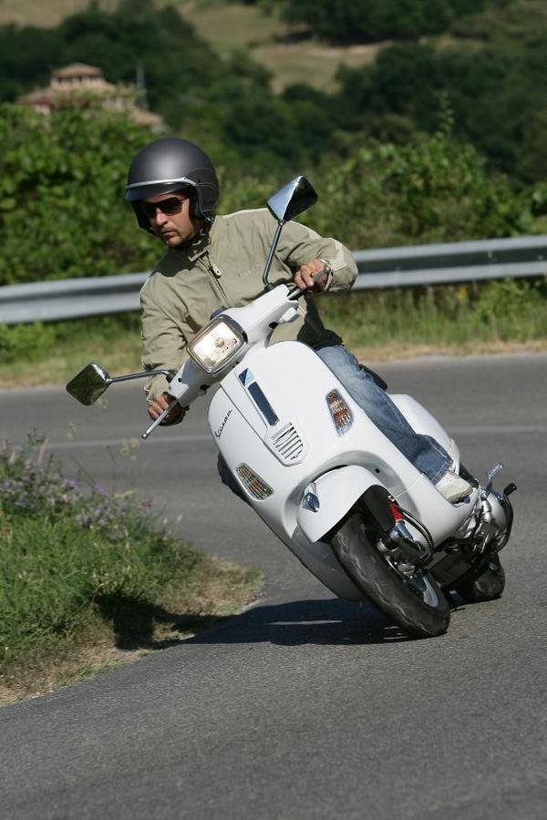 2013 vespa s 50 150 sport se picture 508796 motorcycle review top speed. Black Bedroom Furniture Sets. Home Design Ideas