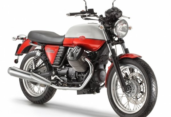 2013 moto guzzi v7 special edition review - top speed