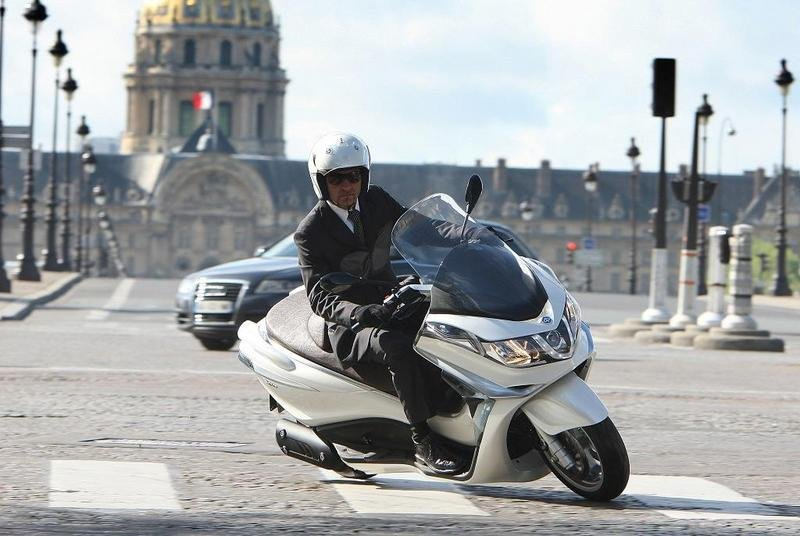 2013 Piaggio X10 125 High Resolution Exterior - image 511574