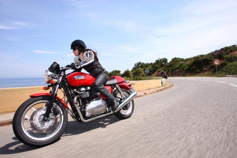 2013 Triumph Thruxton High Resolution Exterior - image 511648