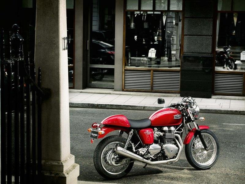 2013 Triumph Thruxton High Resolution Exterior - image 511632