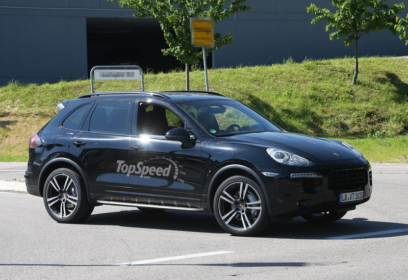 Spy shots: 2015 Porsche Cayenne Caught Testing in Germany