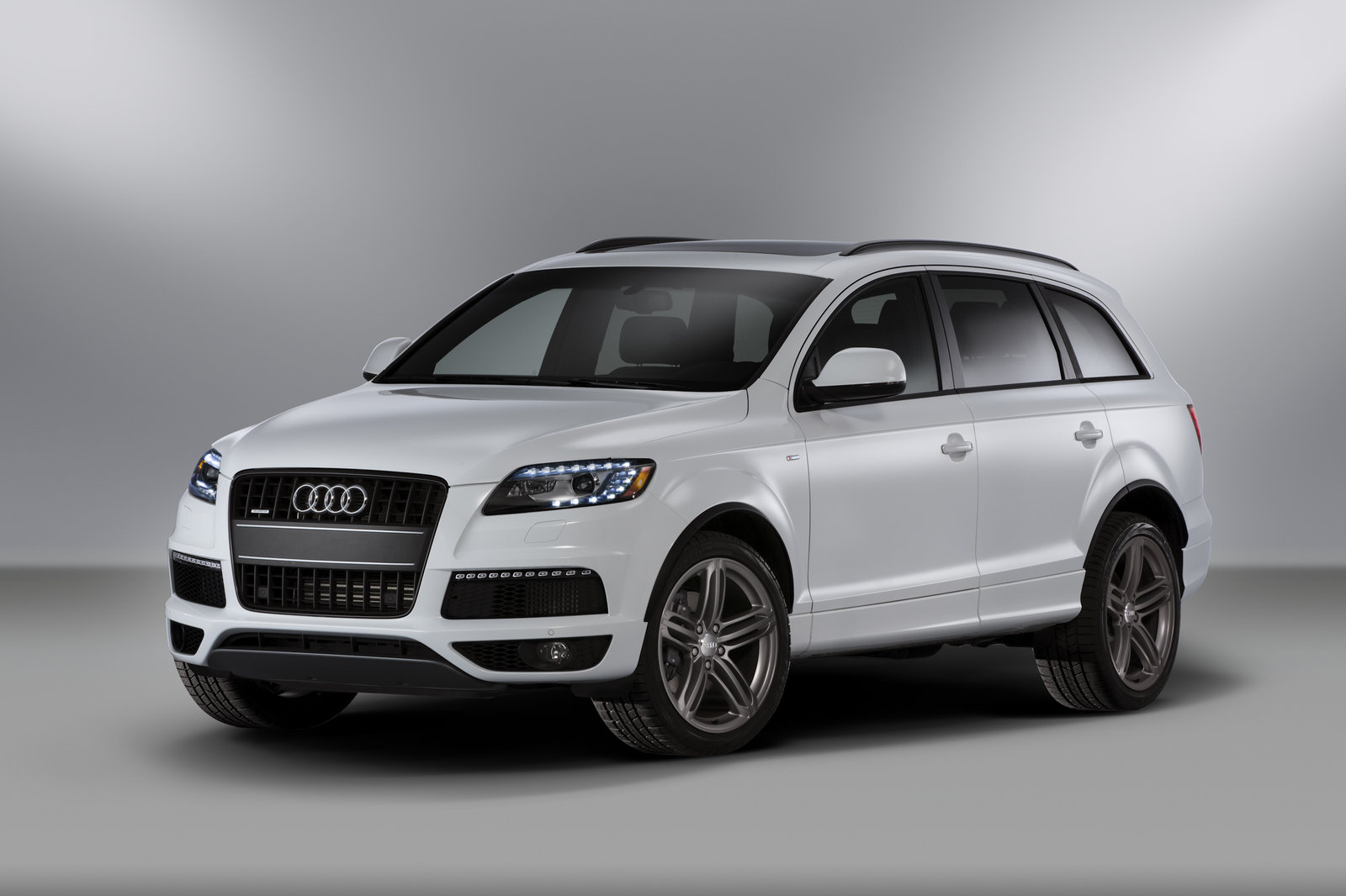 2014 audi q7 top speed. Black Bedroom Furniture Sets. Home Design Ideas