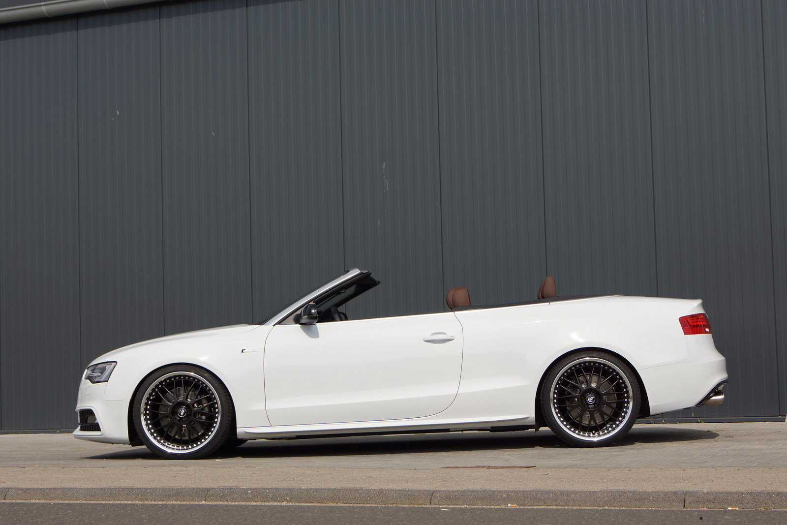 http://pictures.topspeed.com/IMG/crop/201306/audi-s5-convertible--3_1600x0w.jpg
