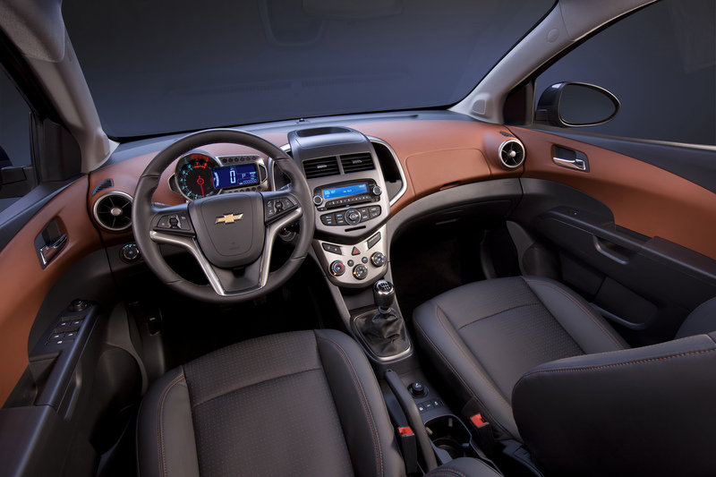 2014 Chevrolet Sonic High Resolution Interior - image 511292