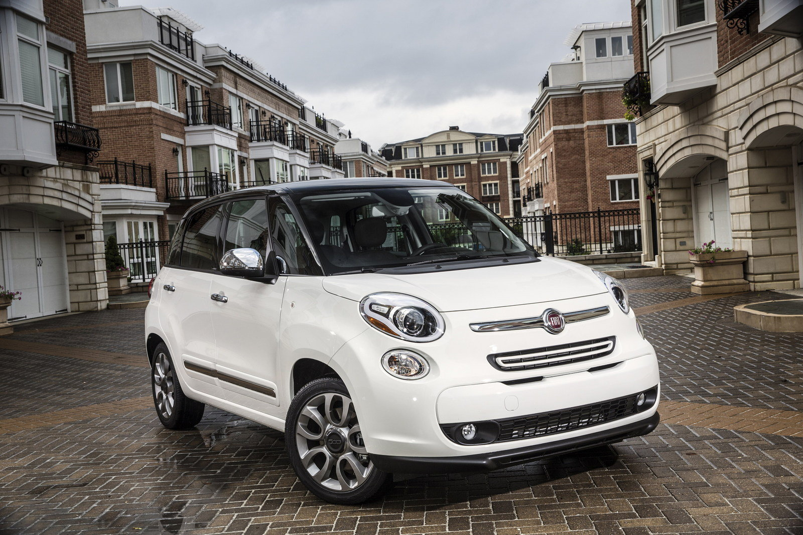 2014 fiat 500l review top speed. Black Bedroom Furniture Sets. Home Design Ideas