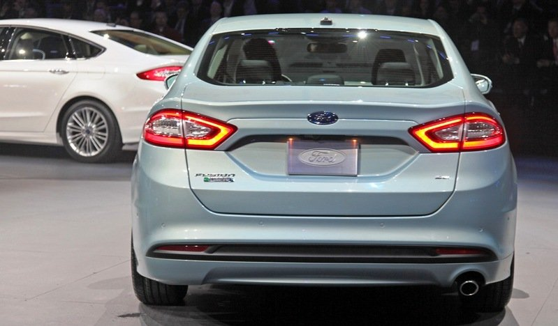 2014 Ford Fusion Energi Exterior - image 513060