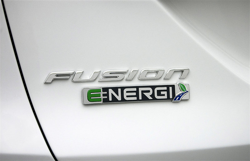 2014 Ford Fusion Energi Emblems and Logo Exterior - image 513032