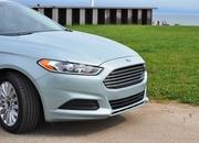 2014 Ford Fusion Hybrid - image 512569
