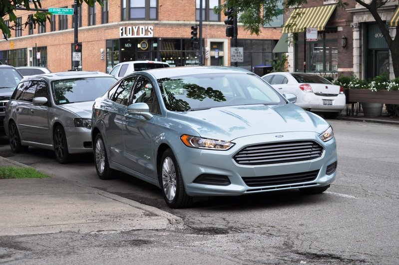 2014 Ford Fusion Hybrid Exterior - image 512572
