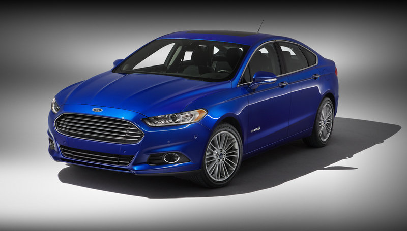 2014 Ford Fusion Hybrid High Resolution Exterior - image 512575