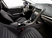 2014 Ford Fusion Hybrid - image 512580