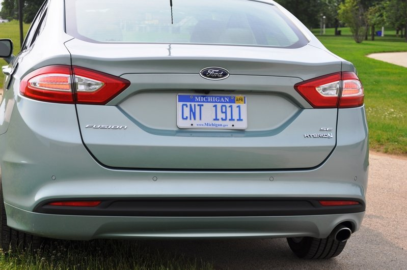 2014 Ford Fusion Hybrid Exterior - image 512563