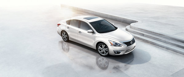 2014 Nissan Altima Hybrid | car review @ Top Speed