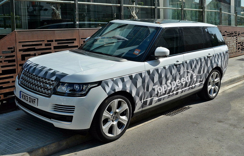 Spy Shots: 2014 Land Rover Range Rover LWB Caught Testing Again